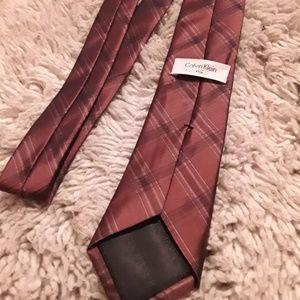 Calvin Klein Dark Red Silk Skinny Tie 58 Inch